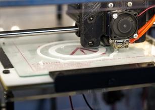 3D列印玩出新高度?外媒:中國研究人員直接將纖維列印在織物上